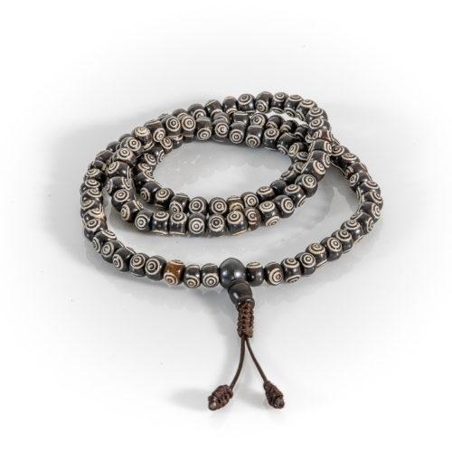 Mala Guru Perle schwarz/weiß 108 Perlen 8mm